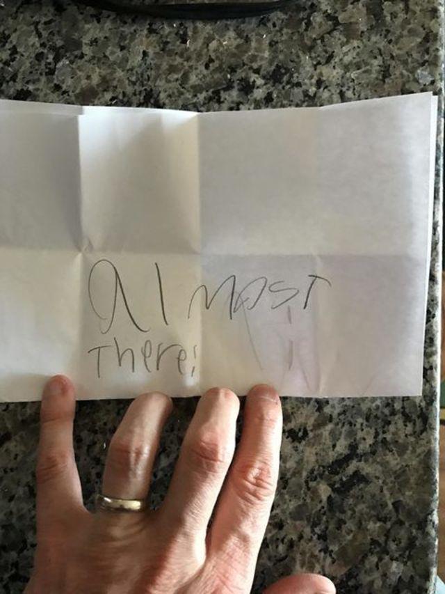 「パパ、あけてみて」。7歳の娘からの手紙が超キュート