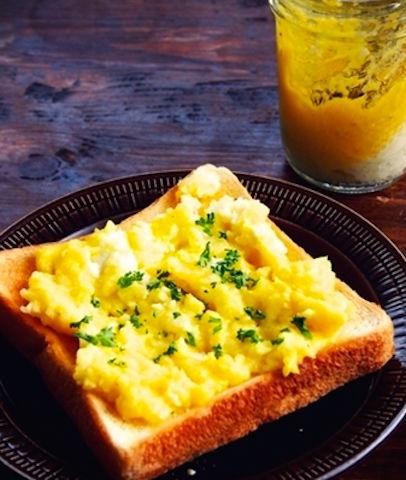LAで人気の朝食「エッグスラット」 レンチンで簡単につくれる!