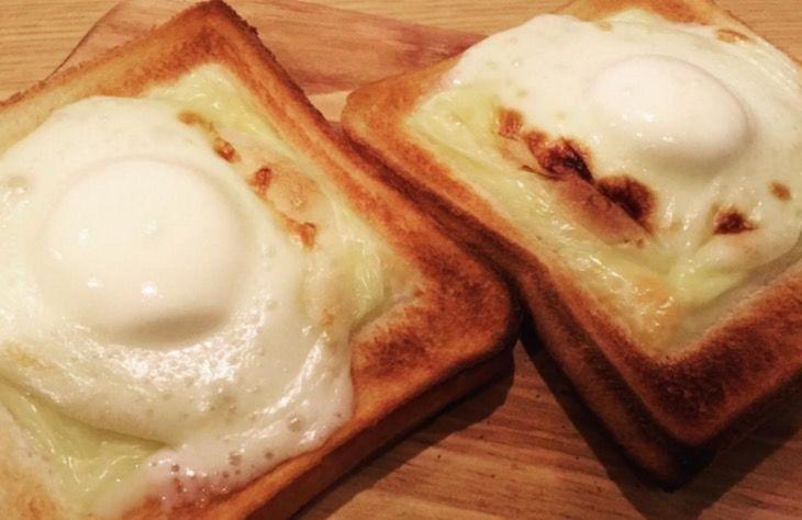 チーズにのせて焼くだけ!カンタン「雪見だいふくトースト」