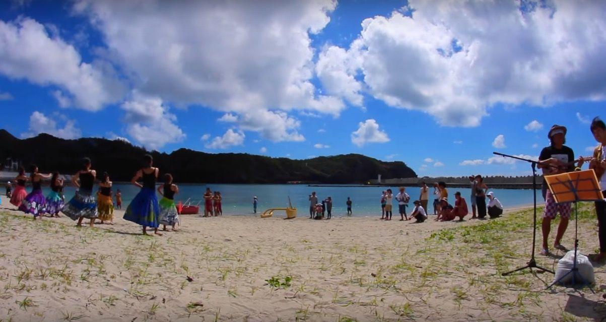 この美しすぎる島はどこでしょう? ヒント:東京都